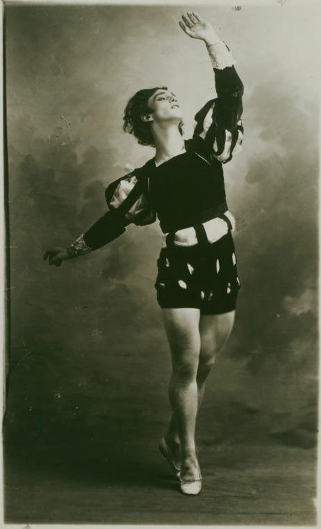 Nijinski_in_Albret_du_Ballet_Giselle_2